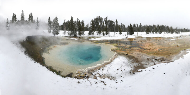 Hot Springs, Lower Geyser Basin, Yellowstone National Park, Wyoming