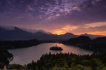 Photo sur Plexiglas Aubergine Lake Bled