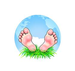 Fuß Füße Fußsohlen barfuß Kind Erde weltweit global  blau Himmel Wiese Gras natürlich freundlich hübsch niedlich Mann Frau Junge Mädchen liegen ausruhen reisen Urlaub Ferien nachhaltig fernreise