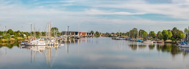 Panorama Hafen Harlesiel an der Nordsee