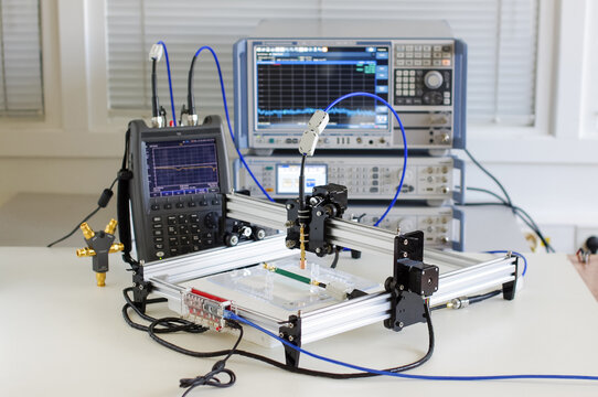 Near field EMC scanning system