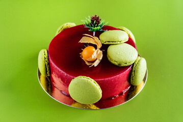 Mousse cake with macaroons