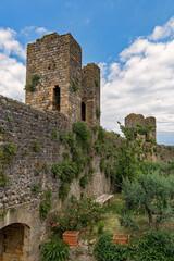 Die Burg von Monteriggioni in der Toskana in Italien
