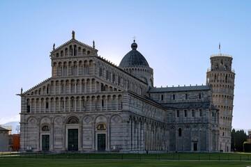 Piazza dei Miracoli und der schiefe Turm von Pisa in Pisa in der Toskana, Italien