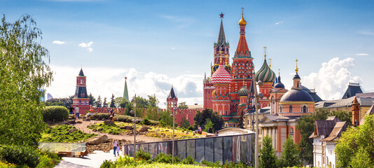 Fototapete - Urban landscape of Moscow, Russia. Landscaped design in Zaryadye Park near Moscow Kremlin and St Basil`s cathedral
