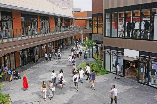 ショッピングモールの屋外の風景