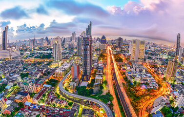 Photo sur Aluminium Lilas Top view of Bangkok city at night(Taksin Bridge)In the Thonburi area