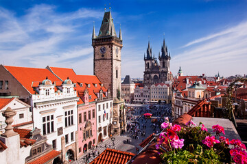 Tyn Cathedral Prague and Bell Tower overlooking rooftops Fototapete