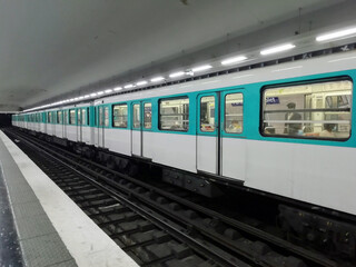 Paris, Rames de métro
