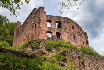 Ruine der Burg Freienstein in Gammelsbach, Oberzent im Odenwald, Hessen, Deutschland