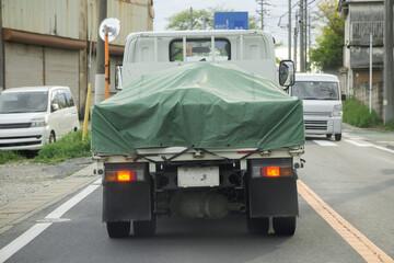 中型平ボディトラック グリーンシート