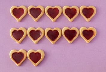 Herzchenkekse mit Marmeladefüllung