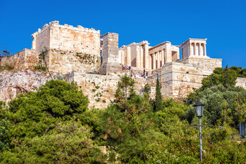Fototapete - Acropolis of Athens in summer, Greece. View of famous ancient Propylaea, entrance gates to Acropolis
