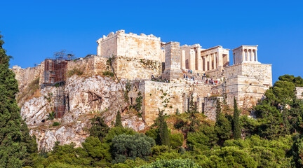 Fototapete - Acropolis of Athens in summer, Greece. Panoramic view of famous ancient Propylaea, entrance gates of Acropolis
