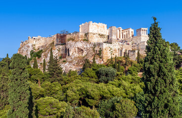 Fototapete - Acropolis of Athens in summer, Greece. Urban landscape of Athens, scenery of classical antiquity.