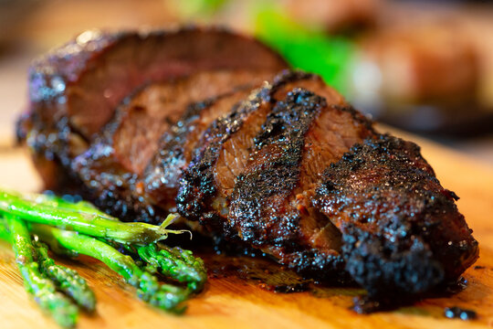 Grilled tri-tip beef with asparagus