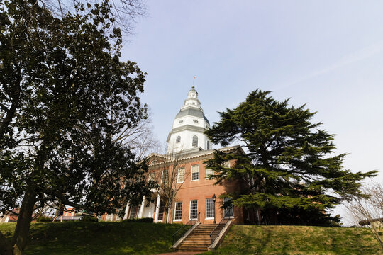 Georgian facade of the Maryland State House & iconic wooden dome, State Circle, Annapolis, Maryland
