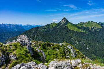 Wanderung auf den Leonhardstein von Kreuth aus - Blick auf den Roß- und Buchstein Richtung Westen