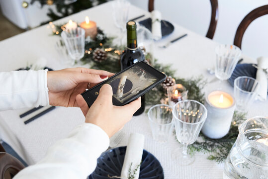 Take photo Christmas dinner table.