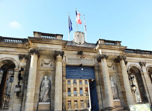 Palais Rohan, l'Hôtel de Ville sur la Place de Pey Berland à Bordeaux, Gironde France