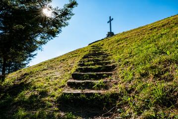 Mountain path for mount Bolettone vet
