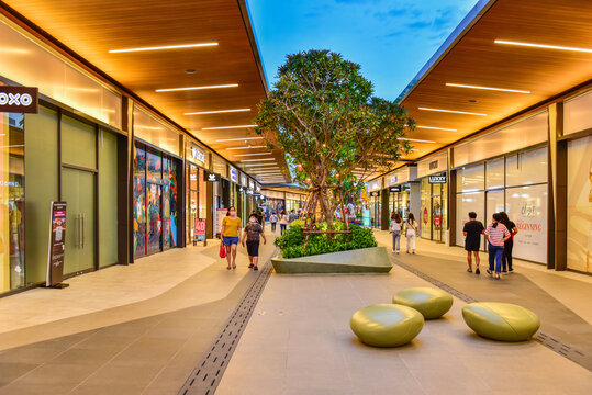 Bangkok, Thailand - 10 July 2020 :Siam Premium Outlets Bangkok, the new shopping area in Thailand The center of luxury brands in the world.near Suvarnabhumi Airport.
