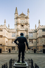Foto op Canvas Historisch mon. Wider view at the back of the statue at Bodleian Library at Oxford University, United Kingdom