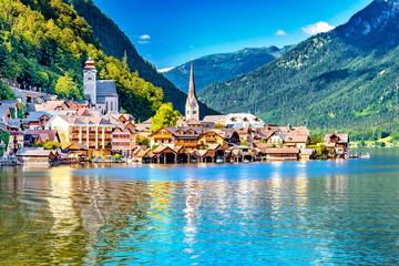 Hallstatt am Hallstätter See im Salzkammergut, Oberösterreich, Österreich