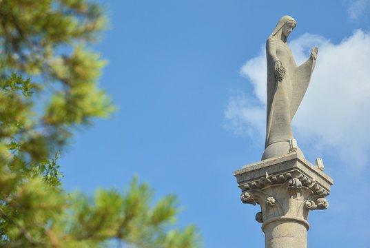 Statue Notre Dame des Vignes à Neuville sur Seine (Aube)
