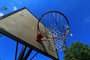 Obraz Tablica do koszykówki z obręczą do kosza - fototapety do salonu
