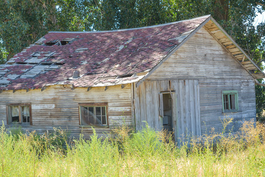 An old, abandoned, rundown home in the countryside of Grand Junction, Mesa County, Colorado