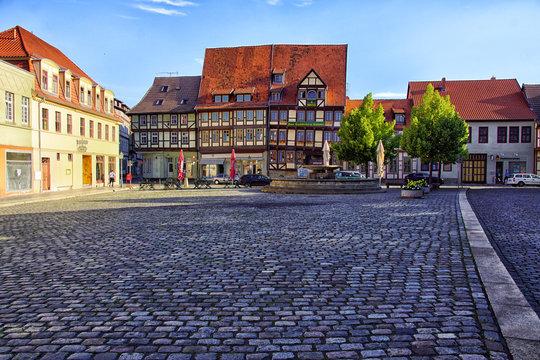 der Mathildenbrunnen mit Marktplatz
