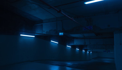 Garage /Parking In The Night/Detail.