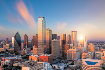 Fotomurales - Dallas, Texas cityscape at sunset