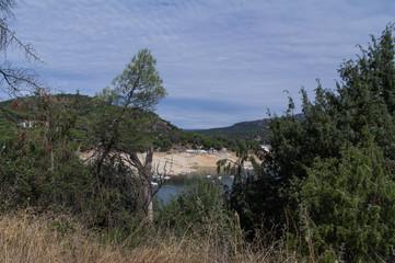 krajobraz jezioro góry niebo drzewa chmury woda