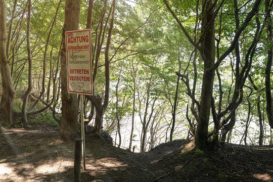 Schild Betreten verboten Abbruchgefahr