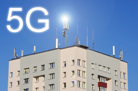 Telecommunications antennas on the roof of building for 5G