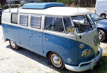 vw Volkswagen Type 2 vw bulli Transporter Old vintage retro classic bus kombi