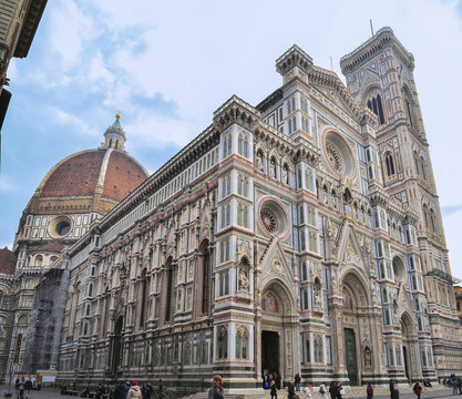 Outstanding and most beautifull cathedral in Florence ground view