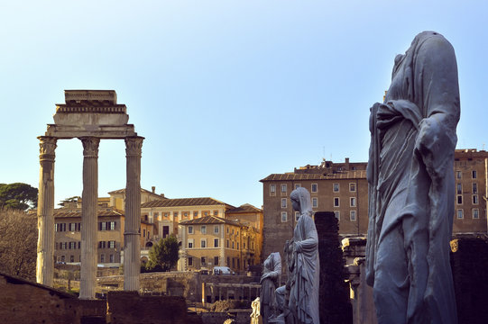 Beautifull sculptures and structures from roman forum