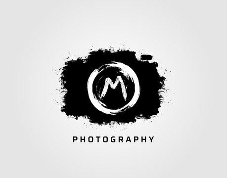 Photography letter B logo design concept template. Rusty Vintage Camera Logo Icon.