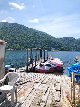 中禅寺湖のスワンボート 日光 栃木県