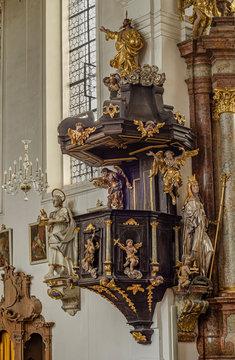 Augsburg Biberbach St. Jakobus St. Laurentius und Hl. Kreuz Kanzel