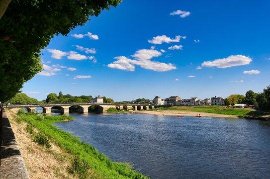 Brücke in Chinon über den Fluss Venant