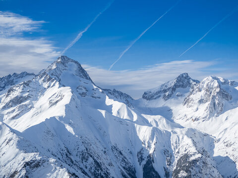 View of Ecrin mountain peaks from les 2 alpes