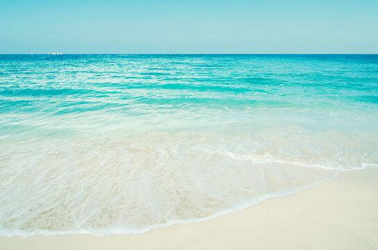 ocean scene from cuba