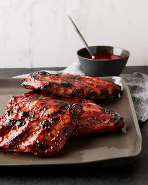 sticky pork ribs with cranberry bbq sauce