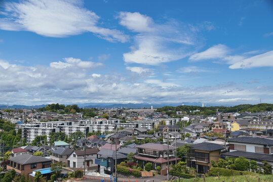 住宅地と青空