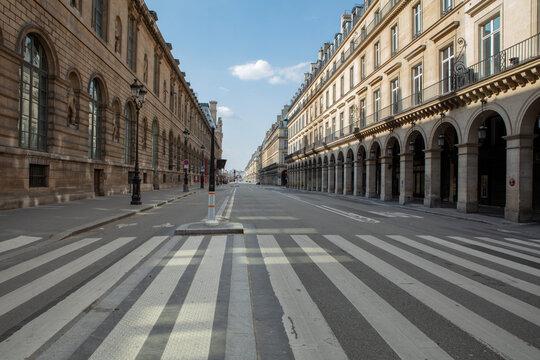 Rue de Rivoli, Musée du Louvre, Paris