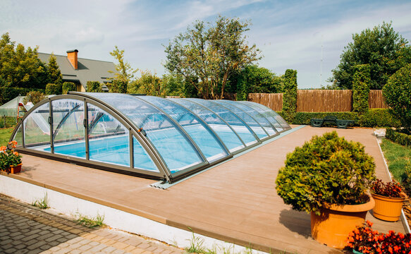 Exquisite pool with transparent coating.
